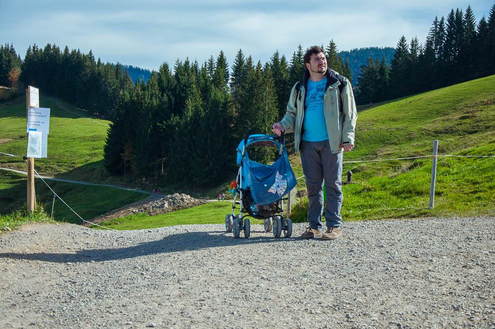 с коляской в Альпы