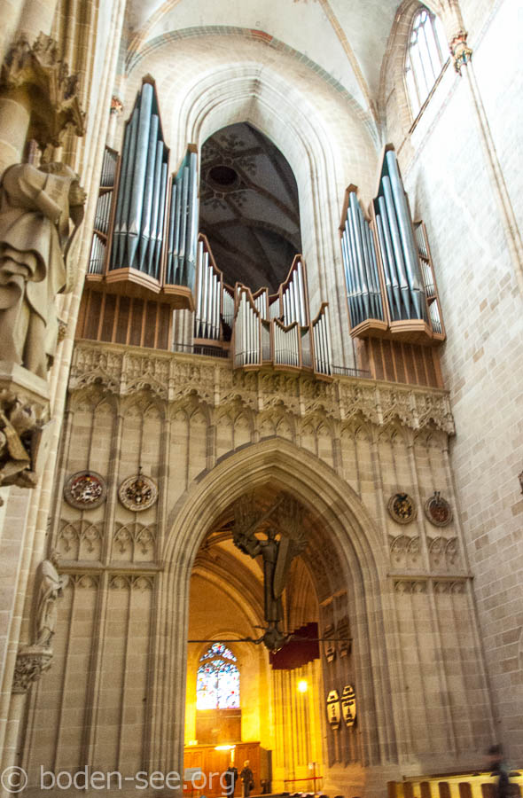 большой орган в соборе Ulmer Münster