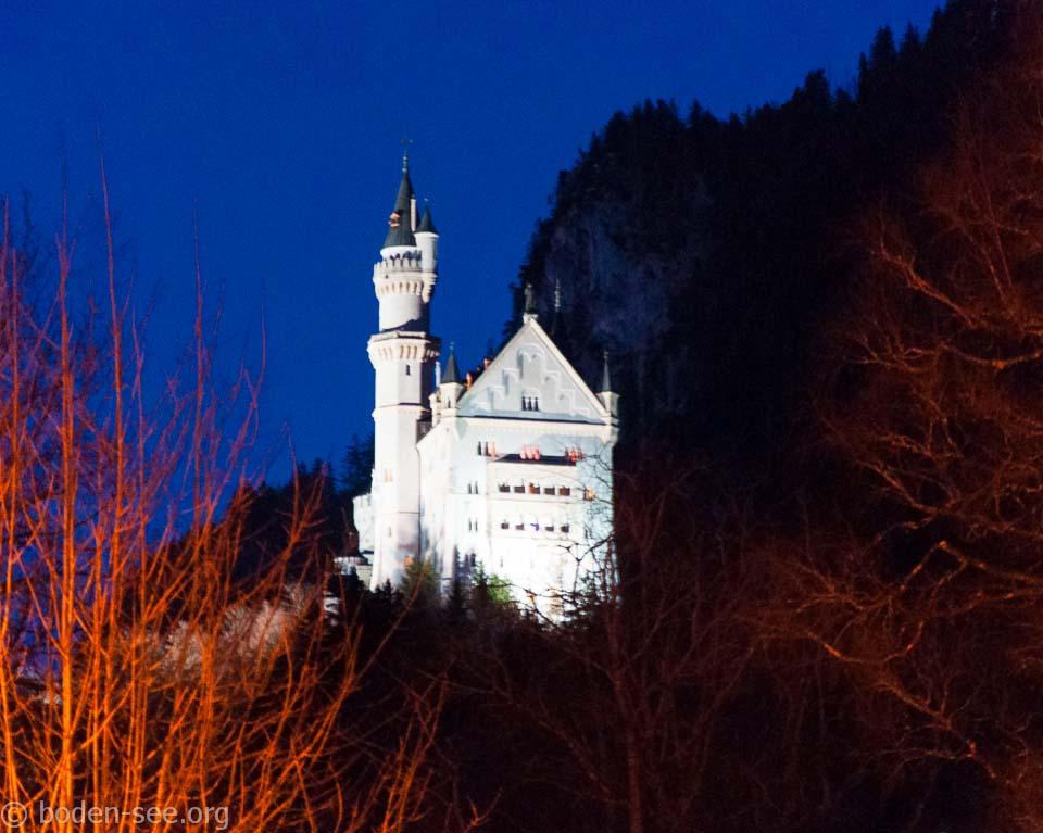 Каменный лебедь в Альпах. Замок Нойшванштайн