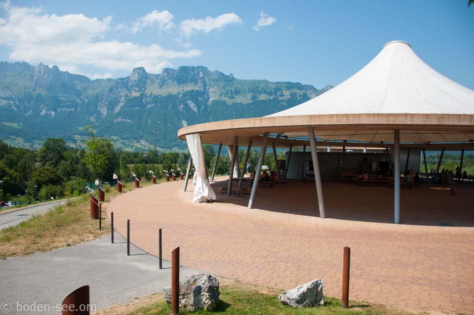 вид на швейцарские Альпы, Лихтенштейн
