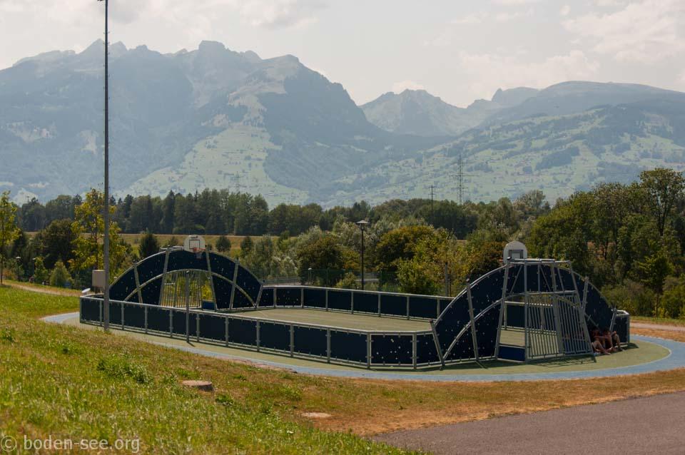 поле для баскетбола и волейбола, Лихтенштейн
