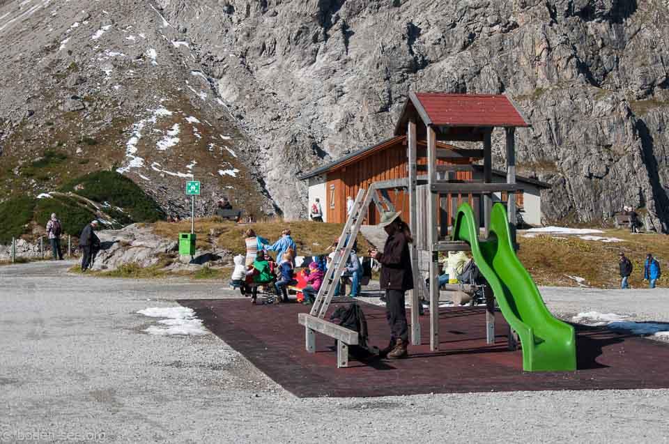 Детская площадка около верхней станции подъемника Люнерзее